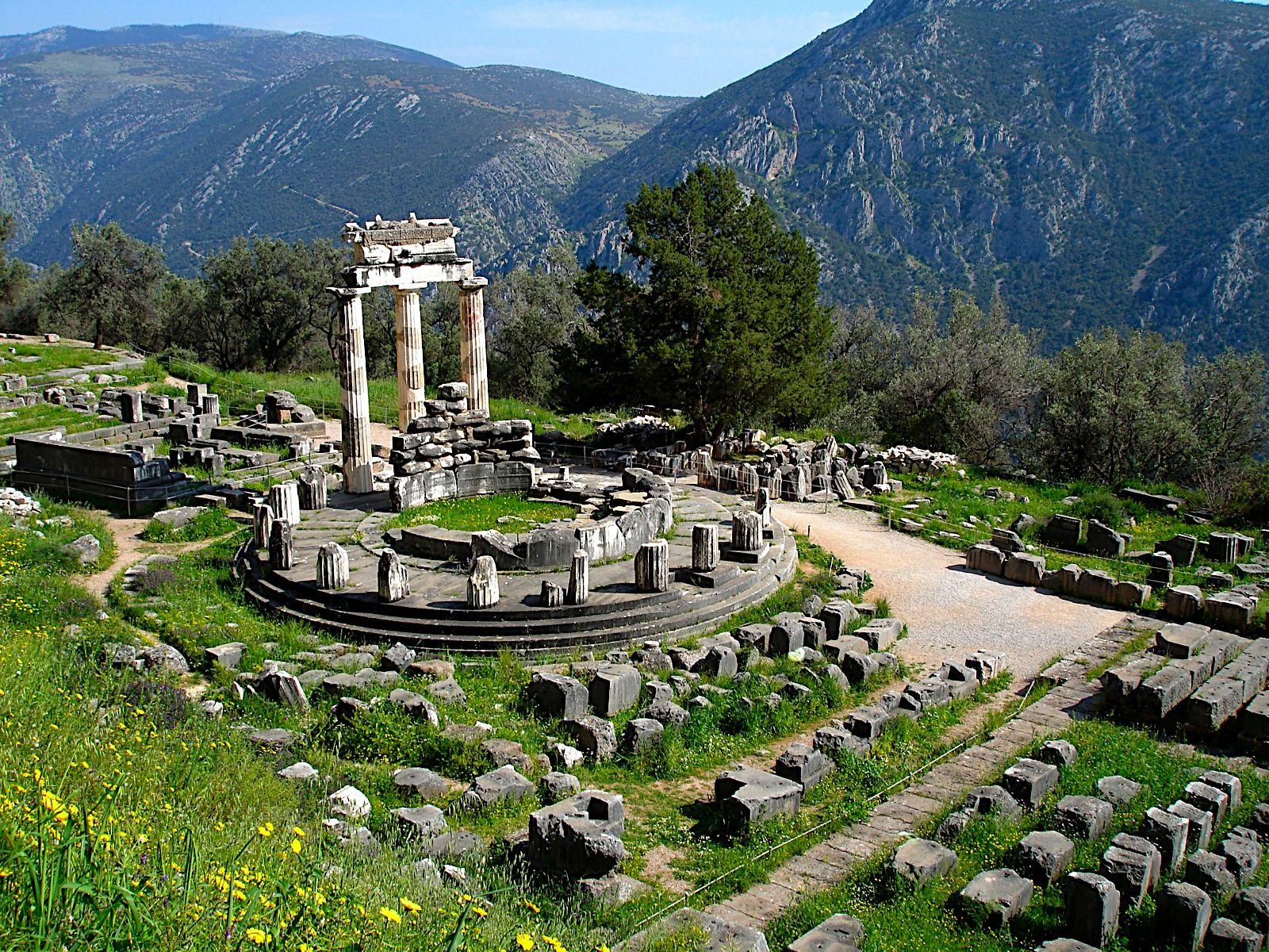 Ruinas del Oráculo de Delfos - Período Arcaico - Antigua Grecia
