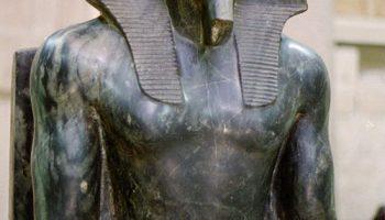estatua sedente de kefren orjviyb2b6x6i9x5w7ldgh1sw4qtp4g1zphuj90wuo - Imperio Antiguo - Egipto