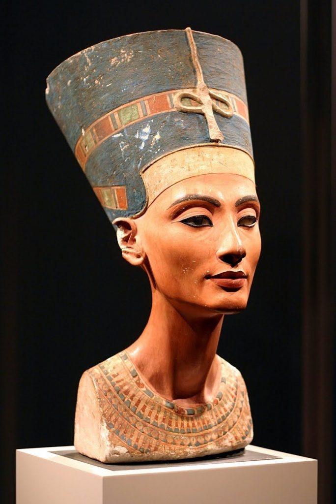 nefertiti 684x1024 - Imperio Nuevo - Egipto
